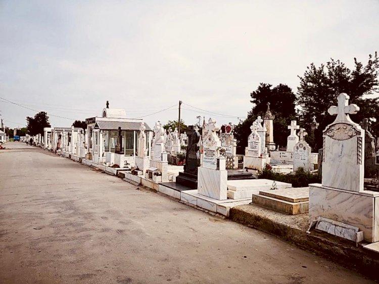 De astăzi, accesul în cimitire este permis