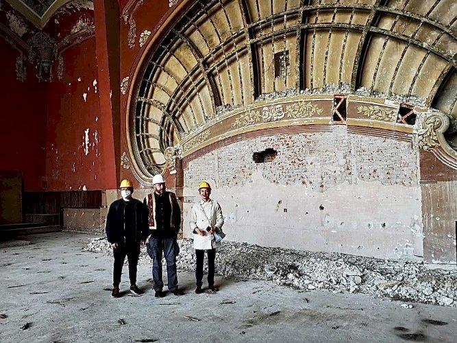 Copiii și nepoții deținuților politici care au lucrat în anii '50 la renovarea Cazinoului au mers să viziteze clădirea