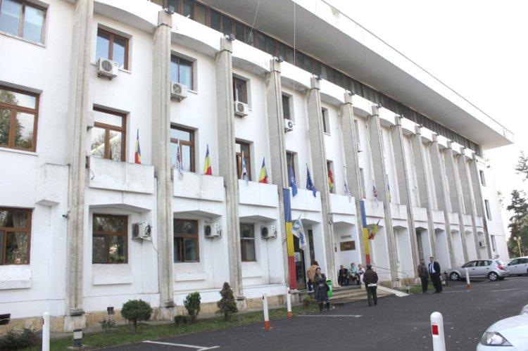 Primăria Constanța restricționează total activitățile cu publicul