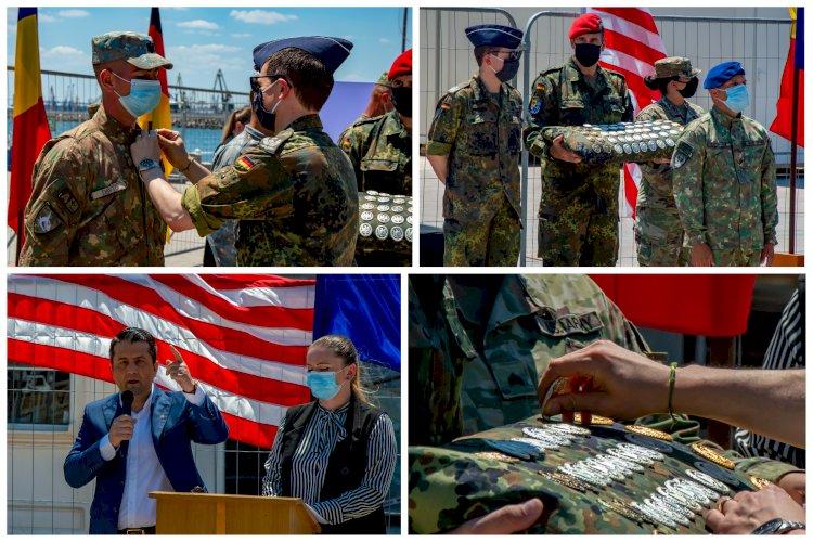 FOTO:Soldații români și americani premiați, pe faleza Cazinoului din Constanța