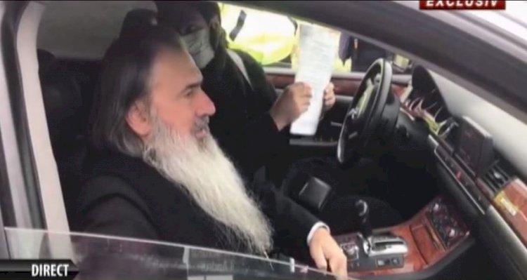 ÎPS Teodosie a fost oprit de filtrul de poliţie în drum spre Peştera Sfântului Andrei