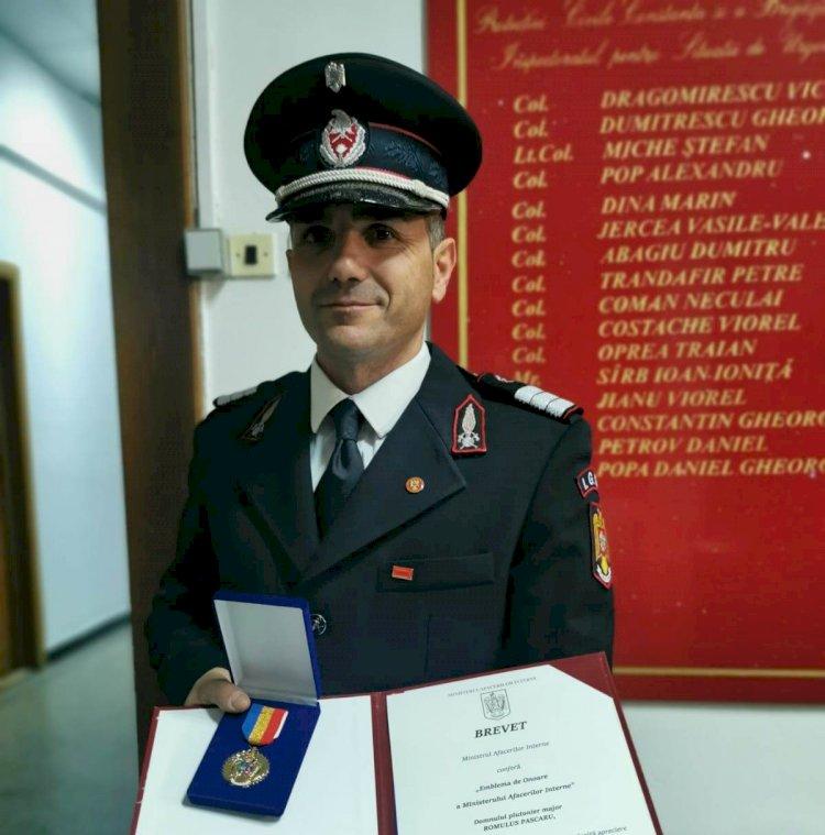 Pompierul Romulus Pascaru, a primit Emblema de Onoare a Ministerului Afacerilor Interne
