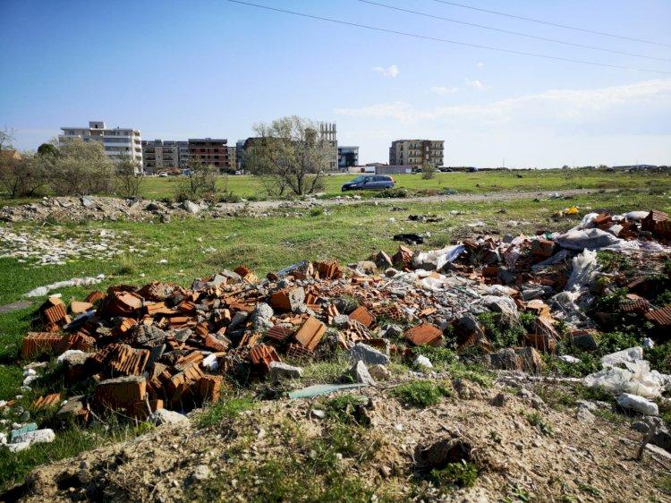 Deșeurile din construcții se depozitează în spațiul amenajat la Poarta 9