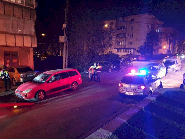 Un şofer, fără permis, a lovit 10 maşini parcate pe o stradă din Constanţa