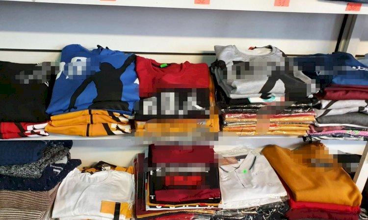 Articole vestimentare, în valoare de peste 3.600 de lei, ridicate de polițiștii de la transporturi