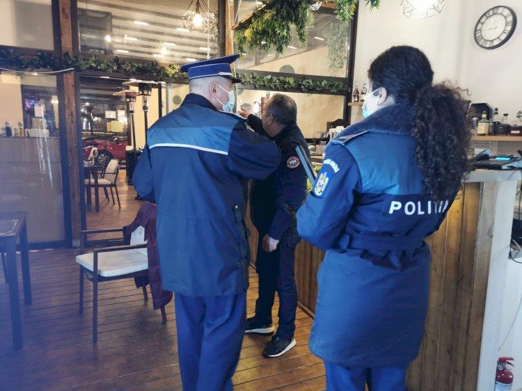 Administratorii a cinci localuri din Constanța, sancționați pentru că au deschis la interior