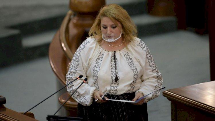 Diana Șoșoacă: Nu îmi poate interzice nimeni ca după ora două să plec de la biserică