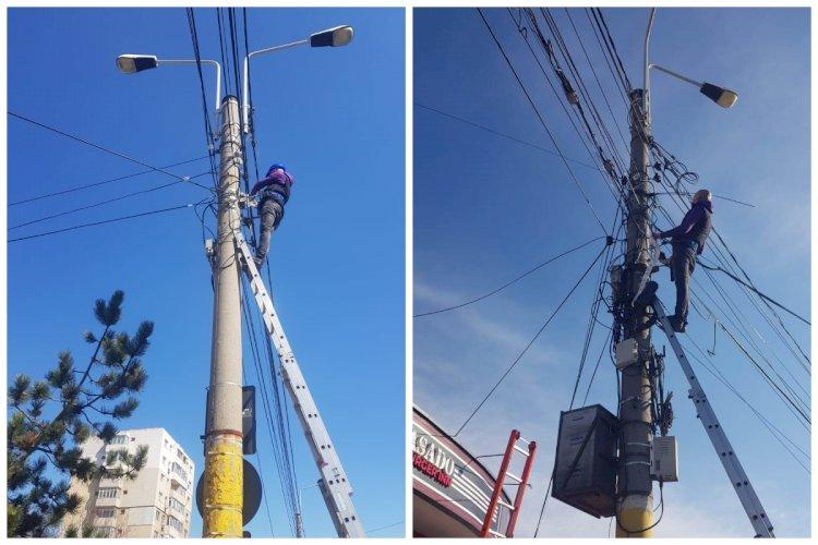 Primăria Constanța solicită operatorilor de comunicații să înceapă cosmetizarea cablurilor din oraș