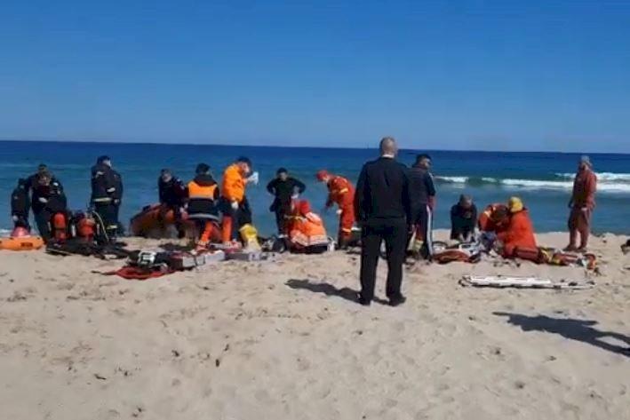 Doi scafandri, care supravegheau lucrările de înnisipare, au murit înecați