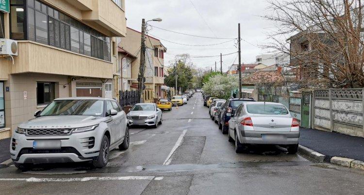 Se reabilitează carosabilul pe străzile din zona Delfinariu