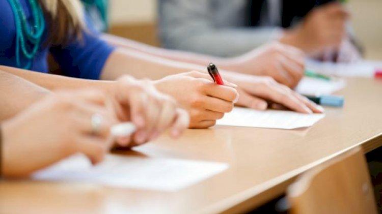 Peste 4800 de elevi constănțeni susțin marți, prima probă a Evaluării Naționale
