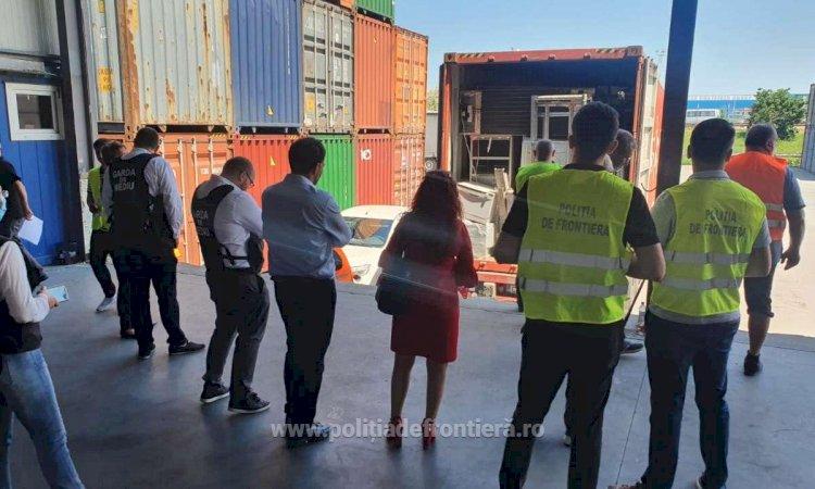 Un container cu 9 tone de deşeuri a fost descoperit în Portul Constanţa