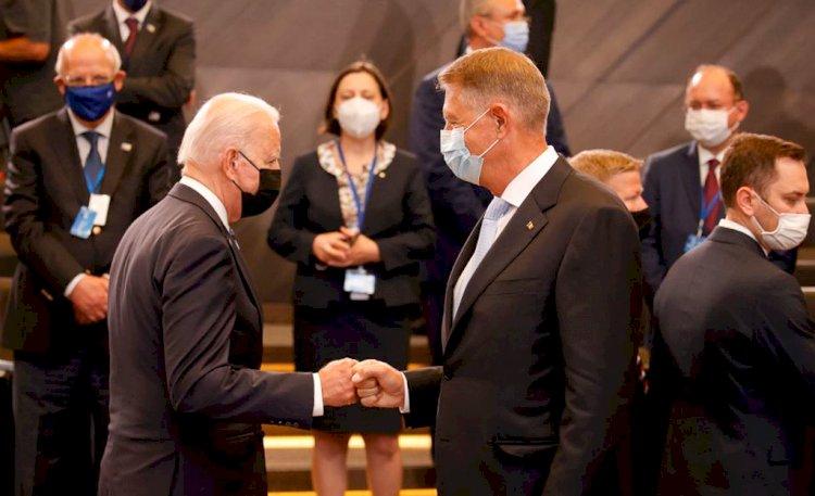 Klaus Iohannis, după summit-ul NATO: L-am invitat pe Joe Biden în România