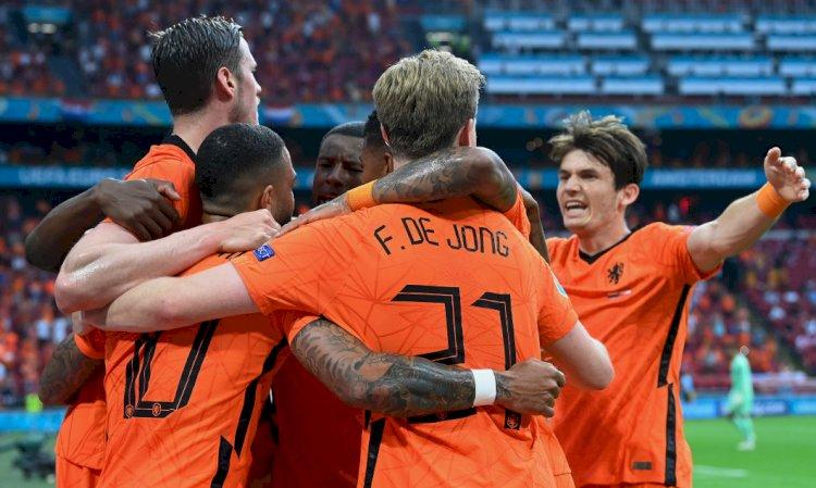 Olanda se califică în optimi după ce a învins Austria, scor 2-0