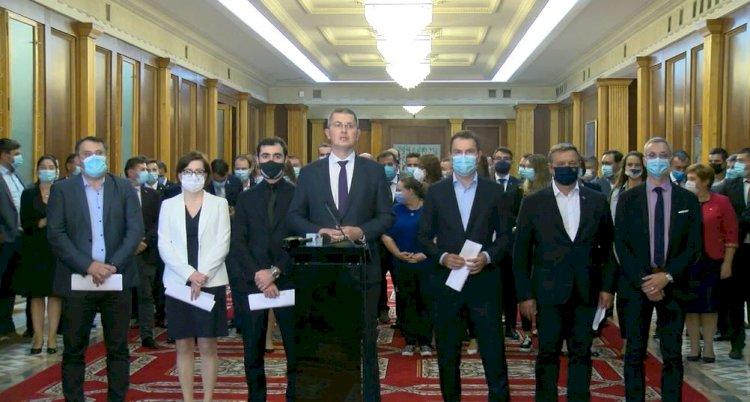 Miniștrii USR PLUS și-au dat demisia din Guvern. Barna: Așa nu se mai poate!