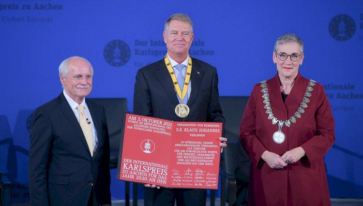 Preşedintele Klaus Iohannis a primit Premiul Carol cel Mare - Pentru unitatea Europei